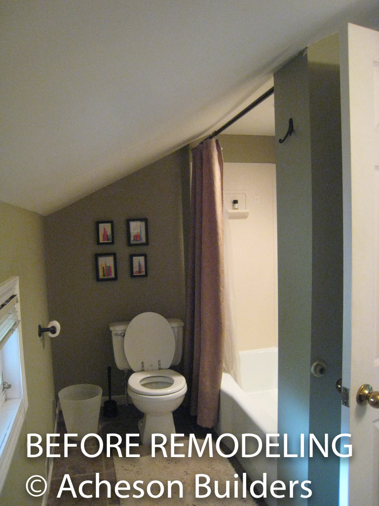 photo of upstairs bathroom before acheson-builders-2nd-Street-Ann-Arbor-BEFORE--13