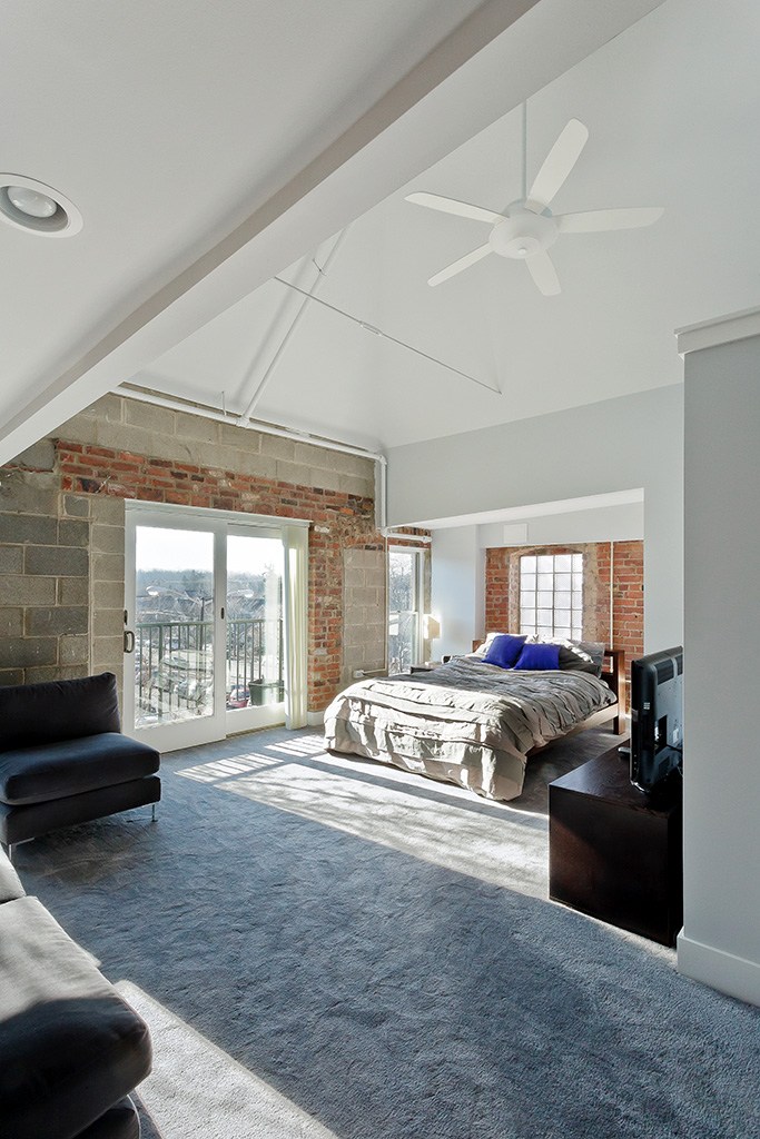 Liberty-Loft-master-bedroom-remodel-acheson-builders-683w-1024h